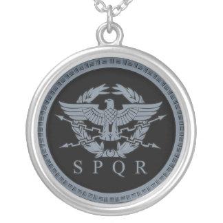 El collar de Aquila Eagle del imperio romano