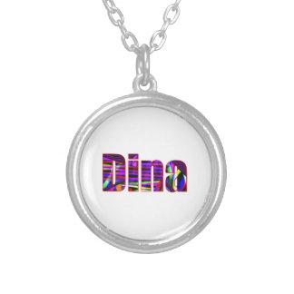 El collar de Dina