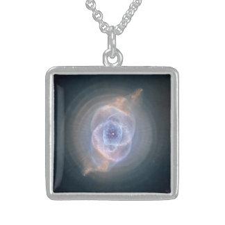 El collar de la nebulosa del ojo de gato