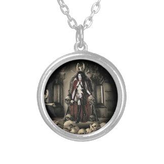 El collar del vampiro de la custodia