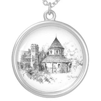 El collar redondo de la iglesia