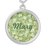 El collar verde del nombre del jardín