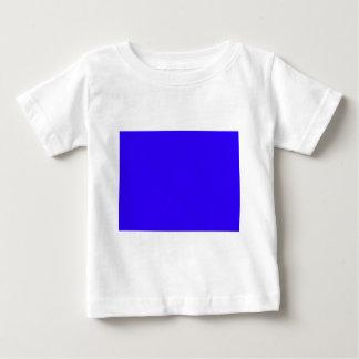 El color azul profundo crea solamente productos poleras