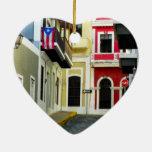 el color de San Juan viejo Puerto Rico Adorno Navideño De Cerámica En Forma De Corazón