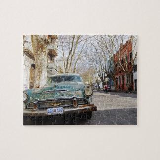 El color oxidado y escamoso de un coche viejo parq rompecabezas