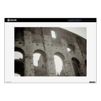 El colosseum en Roma, Italia Skins Para 38,1cm Portátiles