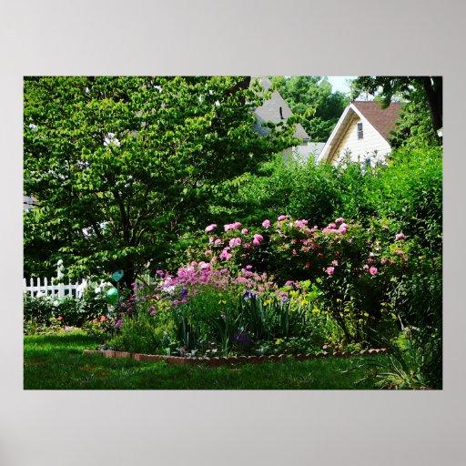 El COMENZAR DEBAJO de $20 - jardín suburbano con l Poster