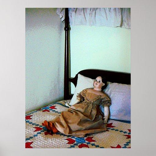 El COMENZAR DEBAJO de $20 - muñeca en cama de la c Impresiones