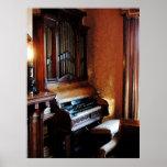 El COMENZAR DEBAJO de $20 - órgano en sala de esta Poster