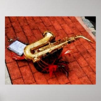 El COMENZAR DEBAJO de 20 - saxofón antes del desf Poster