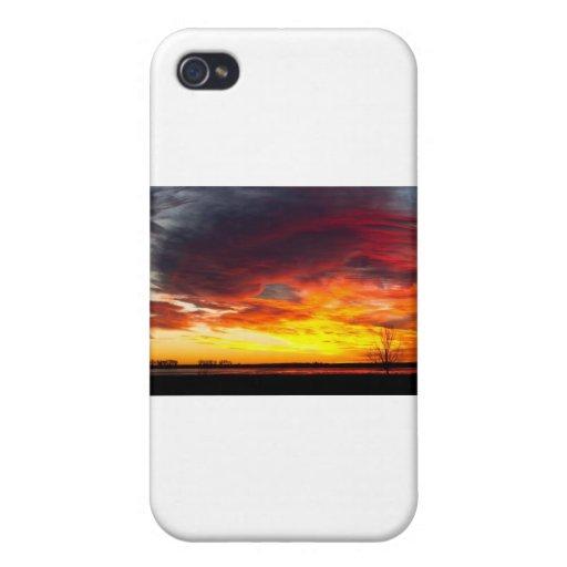 El comienzo de una salida del sol colorida Imag de iPhone 4 Cárcasa