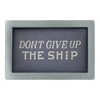 El comodoro Perry no da para arriba la nave