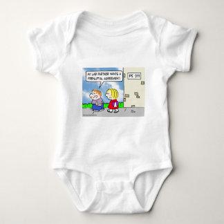 El compañero del niño quiere el acuerdo prenuptial tshirt