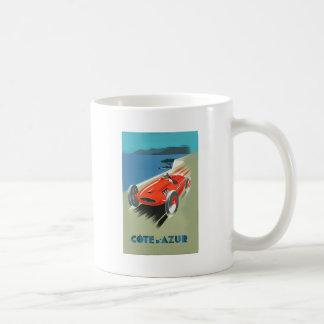 El competir con auto del vintage taza