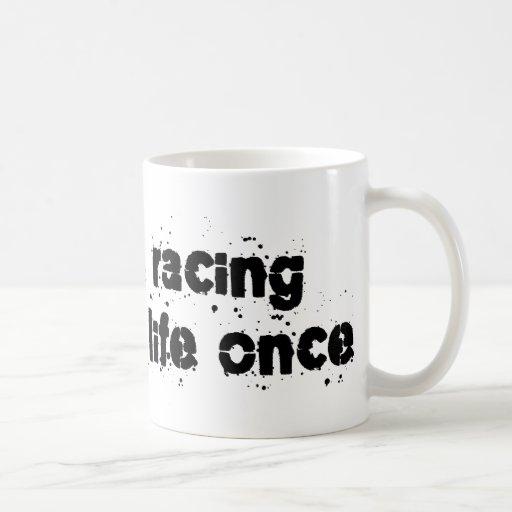 El competir con de arnés ahorró mi vida una vez taza básica blanca