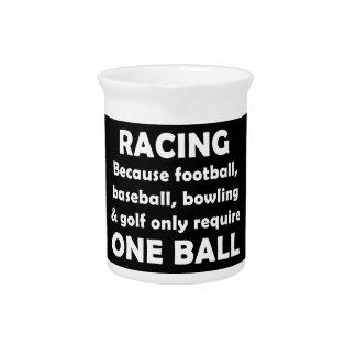El competir con requiere bolas jarras de beber