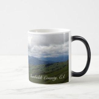 El condado de Humboldt, nubes de CA y montañas Taza Mágica