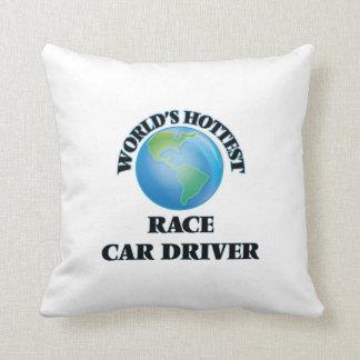 El conductor del coche de carreras más caliente almohadas