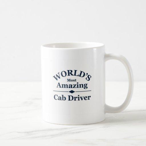 El conductor del taxi más asombroso del mundo taza básica blanca