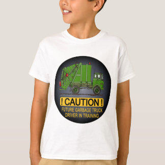 El conductor futuro del verde del camión de basura playera