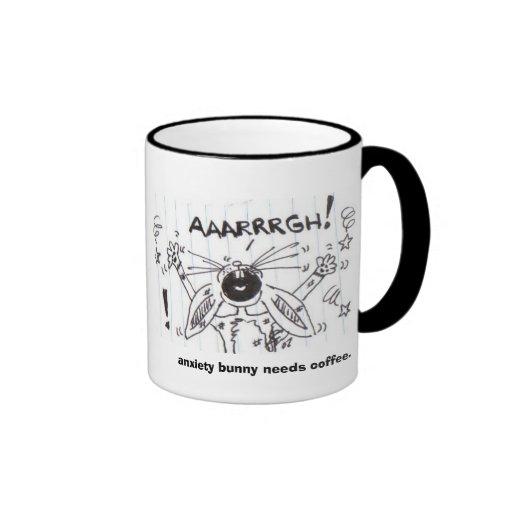 el conejito de la ansiedad necesita el café taza
