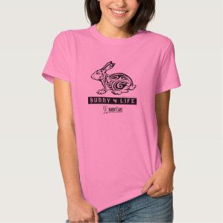 El conejito de las mujeres camiseta de 4 vidas playeras