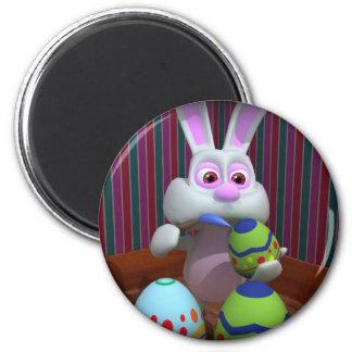 El conejito de pascua adorna los huevos imán redondo 5 cm