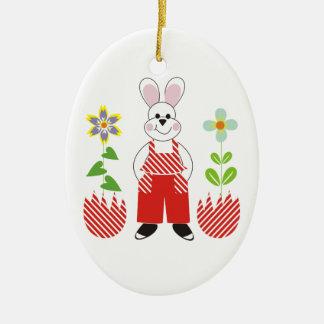 El conejito de pascua roto eggs el personalizado adorno