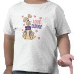 El conejito del amor embroma el regalo de Pascua Camisetas