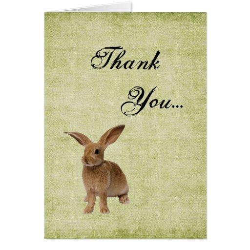 El conejito flojo lindo le agradece tarjeta de not