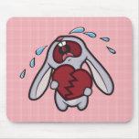 El conejito Hearted quebrado en rosa comprueba Mou Tapete De Raton