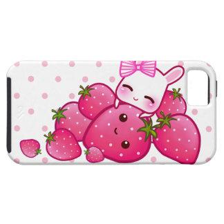 El conejito lindo ama la fresa del kawaii iPhone 5 carcasa
