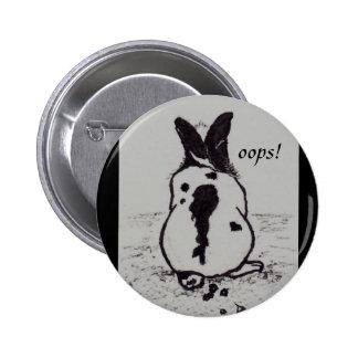 El conejito va Oops botón del aceo Pins