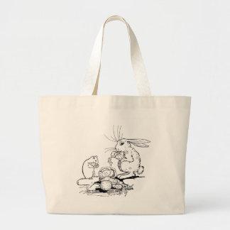 El conejito y el ratón comen los Veggies Bolsa