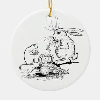 El conejito y el ratón comen los Veggies Adorno