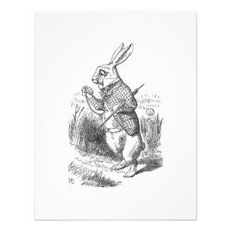 El conejo blanco comprueba su reloj comunicado personal