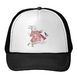 El conejo blanco corre lejos gorras de camionero