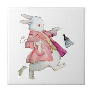 El conejo blanco de Alicia en el país de las marav Azulejo Cuadrado Pequeño