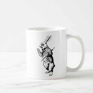 El conejo blanco entintado taza