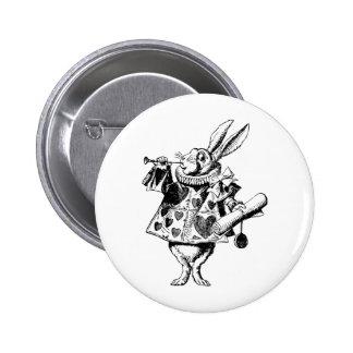 El conejo blanco Herald entintó negro Pin Redondo De 2 Pulgadas