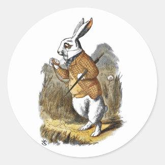 El conejo del blanco de Alicia del cuarto de niños Pegatina Redonda