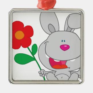 El conejo feliz celebra la sonrisa de la flor adorno navideño cuadrado de metal
