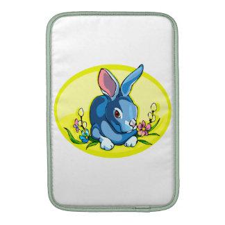 el conejo que se sienta azul florece oval png amar fundas MacBook
