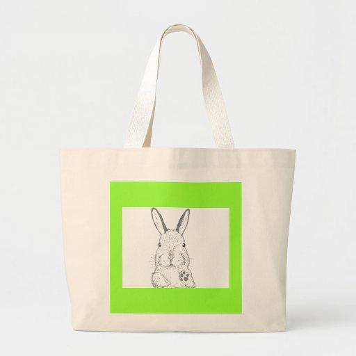El conejo y otro diseña bolsas