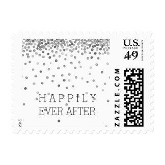 El confeti de plata puntea el boda sello postal
