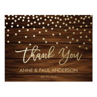 El confeti y la madera le agradecen cardar tarjeta postal