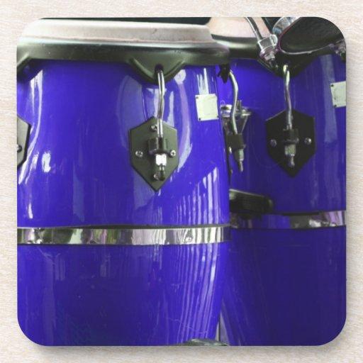 El conga azul brillante teclea la foto posavasos de bebida