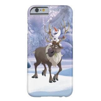 El   congelado Olaf que se sienta en Sven Funda Barely There iPhone 6