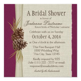 """El cono y la arpillera del pino miran la ducha invitación 5.25"""" x 5.25"""""""