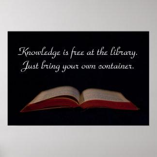 El conocimiento está libre en la biblioteca póster